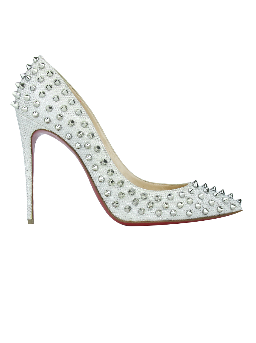 differently 01752 6246f Sapato Christian Louboutin Follies Spikes Off White