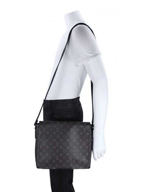 Bolsa Louis Vuitton Macassar District MM Monograma