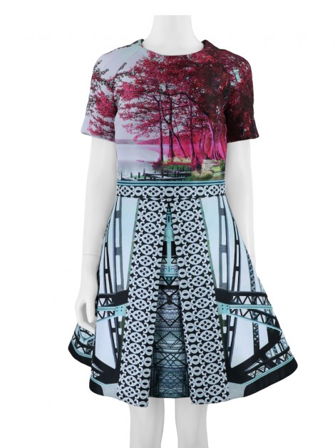 Vestido Mary Katrantzou Harbor Bridges Evasê