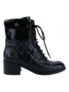 Bota Chanel Quilted Couro Preta