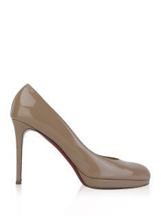 Sapato Christian Louboutin New Simple Pump Verniz Nude