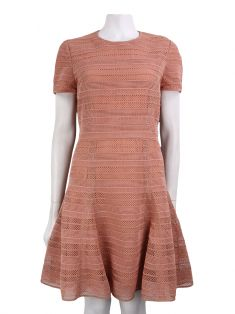 Vestido Burberry London Crochê Rosê